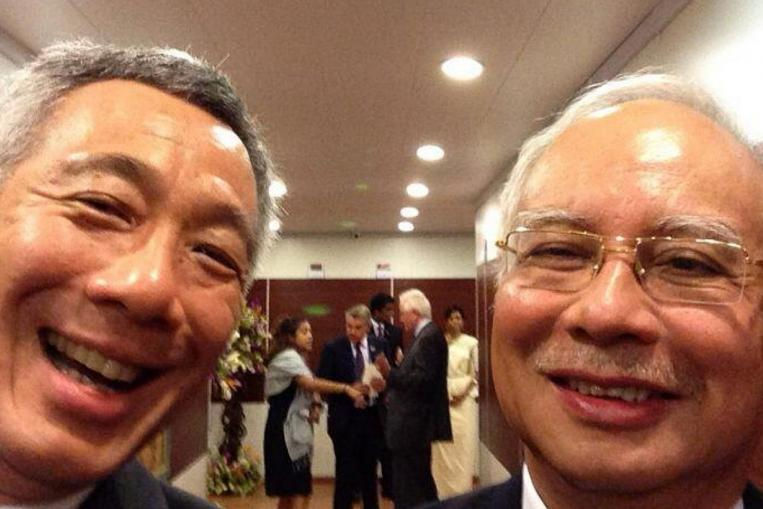 PM's selfie with Najib taken at Commonwealth Heads of Government Meeting in Nov 2015