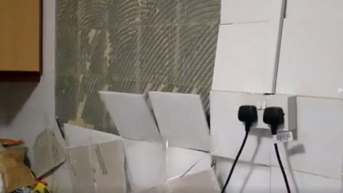 Wall Tiles In Hdb Kitchens And Bathrooms Suddenly Crack And Pop Off
